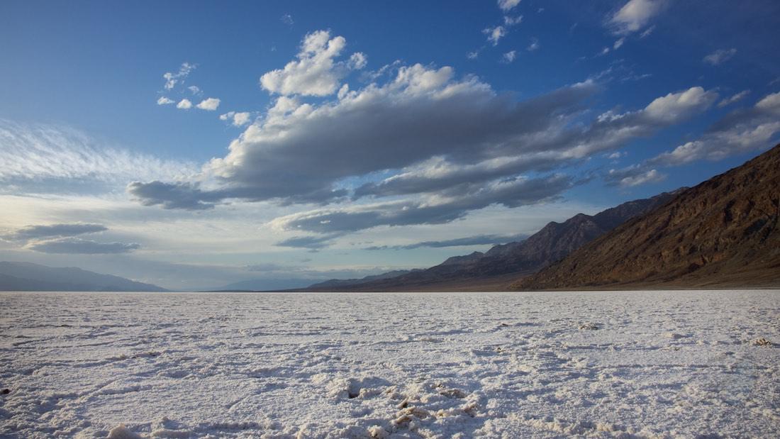 Woorden van geluk. Zoutvlakte in Death Valley.