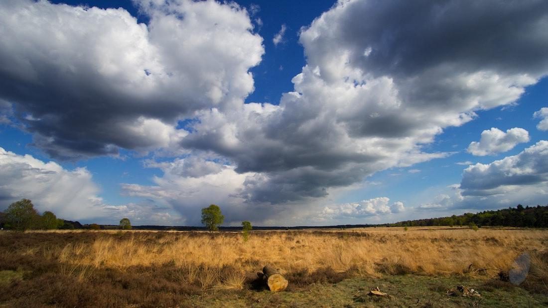 ©Gerard Oonk - wolken boven de heide bij Ede